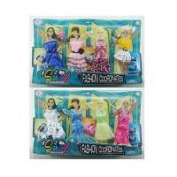 Набор одежды и аксессуаров для куклы высотой 29 см (4 наряда, обувь, 2 сумочки), в ассортим.